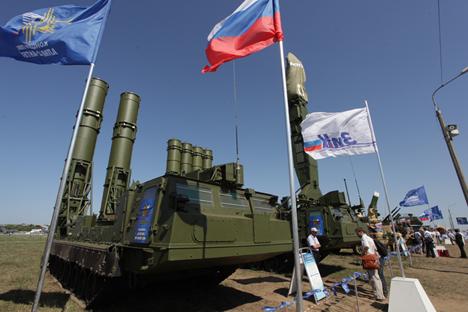 Sistema de míssil antiaéreo Antey-2500 em exibição no Salão de Aeronáutica MAKS 2011, em Jukóvski Foto: ITAR-TASS