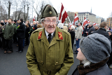 Cada año en estas repúblicas bálticas se realizan homenajes públicos a veteranos que lucharon codo con codo con las tropas de Hitler. Fuente: AP