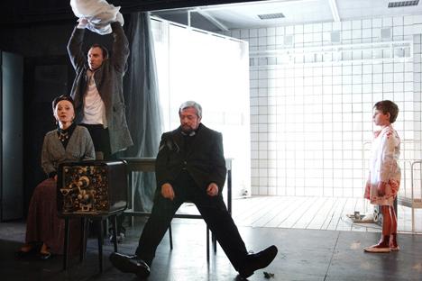 """El espectáculo """"El hombre almohada"""" del Teatro de Arte de Moscú. Fuente: Ria Novosti"""