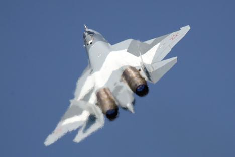Rusia desarrolla junto con la India este avión de quinta generación, que superará al F-22 en algunos parámetros. Fuente: ITAR-TASS