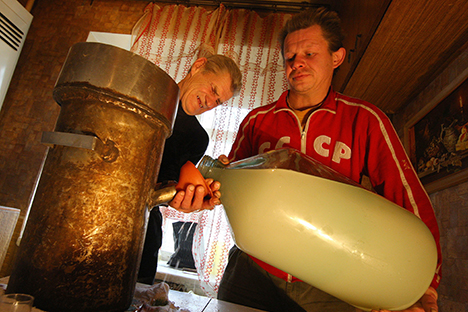 Las ventas de alambiques para destilar aguardiente han aumentado repentinamente en Rusia. Fuente: ITAR-TASS
