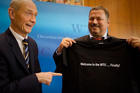 Pascal Lamy, diretor-geral da OMC (esq.) Foto: AP