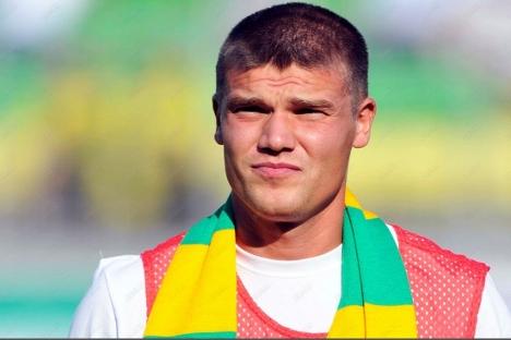 Ígor Denísov fichó hace apenas mes y medio por el Anzhi y ya ha está en venta. Fuente: fc-anji.ru.