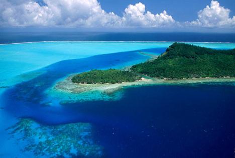 Vista panorámica de la pequeña isla de Moneron. Fuente: Alexéi Yaroshevski.