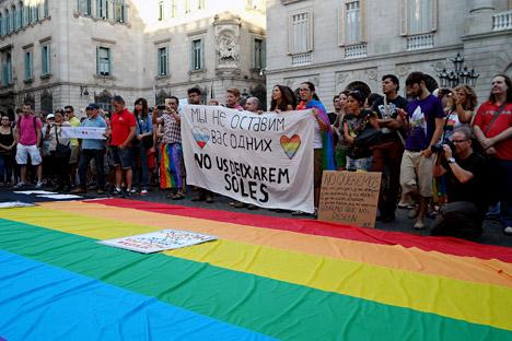 El refugiado político protagoniza uno de los actos convocados en todo el mundo en apoyo a los homosexuales rusos. Fuente: Maite Montroi