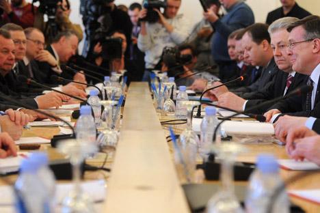 Encuentro entre los ministros de Asuntos Exteriores de Rusia y Ucrania. Fuente: ITAR-TASS