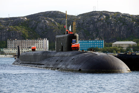 No dia do lançamento falhado, o submarino nuclear Iúri Dolgorúki, o principal porta-mísseis submarino da classe Borei, projetado para lançar o míssil Bulavá chegou a seu porto de matrícula na península de Kola Foto: ITAR-TASS
