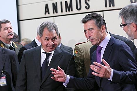 Serguéi Shoigú participó en la asamblea del Consejo Rusia-OTAN. A pesar de los desencuentros asegura que continuará el diálogo entre ambos. Fuente: AFP / East News