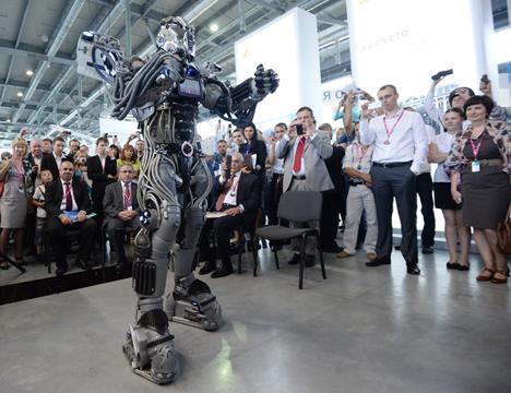 Em vez de combater o inimigo com grande quantidade de tropas, robôs conseguem realizar golpes pontuais Foto: RIA Nóvosti