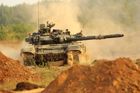 El T-90S ha mostrado sus capacidades bélicas a las altas cúpulas de Perú. Fuente:mil.ru