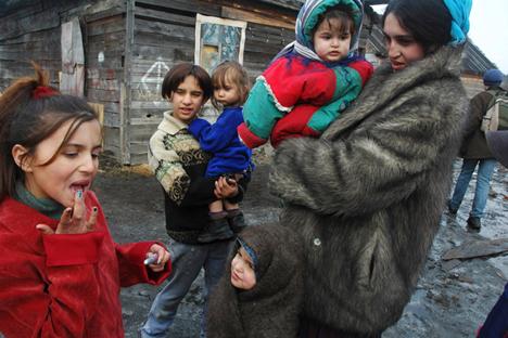 Tradicionalmente, os ciganos ganhavam dinheiro com a venda de cavalos ou sucata Foto: Tatiana Kótova / focuspictures