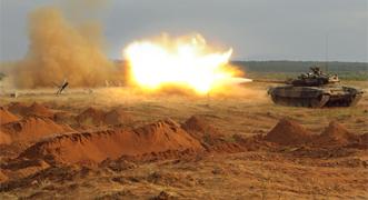 Vídeo: Tanque T-90 en acción