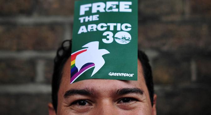 """""""É absurdo pensar que o Greenpeace quis se apoderar da plataforma petrolífera russa, e além disso os ambientalistas não tinham nenhuma arma"""" Foto: AFP / EastNews"""