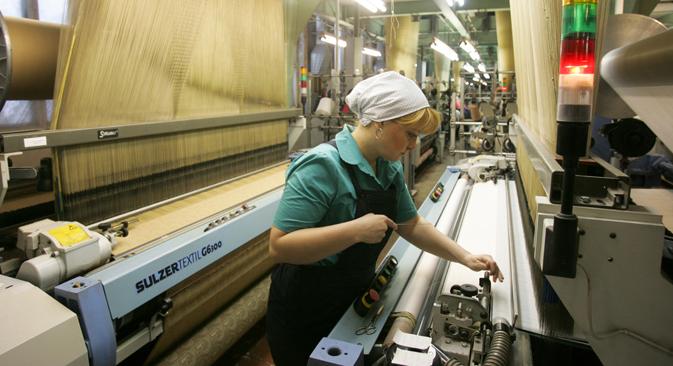 Según cifras oficiales hacen falta más de 150.000 personas para puestos no cualificados y 100.000 en empleos especializados. Fuente: PhotoXpress