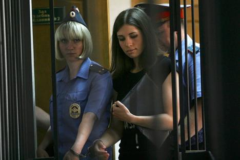 Nadezhda Tolokónnikova, miembro de Pussy Riot, fue trasladada a Siberia para cumplir el resto de su condena. Fuente: AP