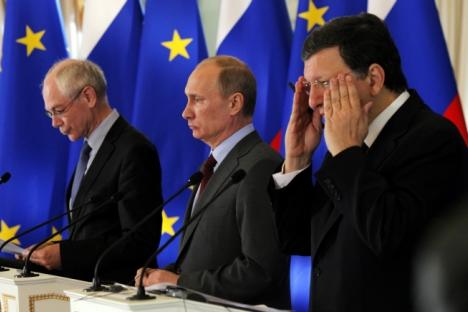 Herman Van Rompuy, presidente del Consejo Europeo; Vladímir Putin, presidente de Rusia y Jose Manuel Barroso, presidente de la Comisión Europea. Fuente: AP