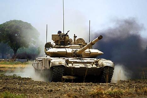 Aumenta el gasto en defensa de la Federación así como el países latinoamericanos como Venezuela, Perú y Brasil  que le compran armamento. Fuente: AP