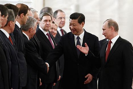 Vladímir Putin en un encuentro con el primer ministro japonés Shinzo Abe. Fuente: Reuters.