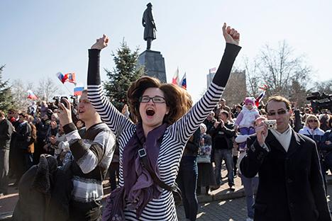 Mais de 96% dos eleitores do referendo na Crimeia apoiaram a reanexação da região à Rússia Foto: Reuters
