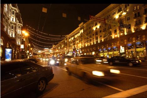 La calle Tverskaya de Moscú por la noche. Fuente: Archivo