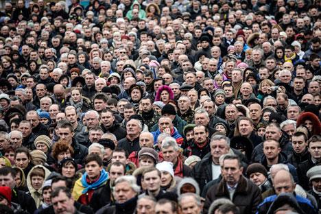 Además de cuestiones históricas hay numerosas personas en Rusia que tienen fuertes vínculos con el país vecino. Fuente: AFP/EastNews