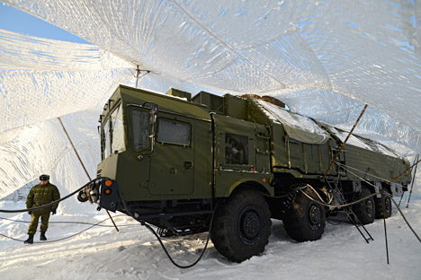 Os novos veículos de engenharia MIOM são capazes de não só esconder os sistemas Yars e Topol dos potenciais inimigos, mas também podem detectar rotas de patrulha Foto:  Aleksandr Kriajev / Ria Nóvosti