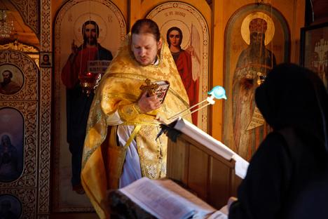 Valentín Bonilla nació en Rusia, hijo de un aviador republicano, y mantiene una pequeña iglesia. Fuente: Ruslán Sujushin