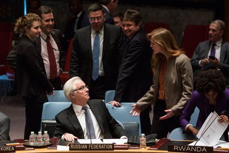 Embaixadora dos EUA na ONU, Samantha Power (à dir.) e seu homólogo russo Vitáli Tchúrkin Foto: Reuters