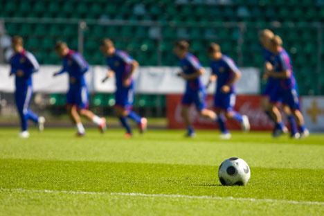 Fabio Capello quer que os jogadores evitem usar o Twitter durante a Copa Foto: ITAR-TASS