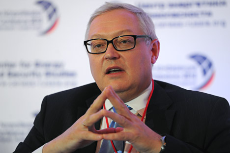 De acordo com o presidente da delegação russa, o vice-ministro dos Negócios Estrangeiros, Serguêi Riabkov, os dois países estão estudando as perspectivas do desenvolvimento das relações bilaterais Foto: ITAR-TASS