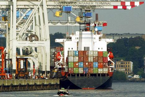 Se retiran las tasas preferenciales para la importación de mercancías rusas, medida en vigor desde los años 90. Se preveía dar este paso en enero de 2015. Fuente: AP