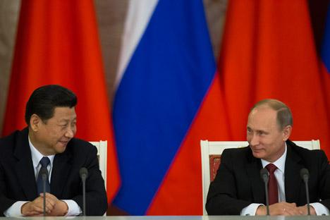 En vez de un enfrentamiento, la economía rusa necesita que haya una colaboración activa tanto con China como con Europa. Fuente: AP