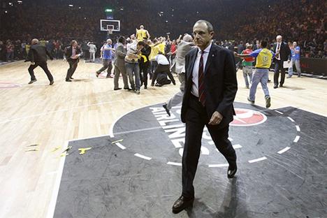 El entrenador, Ettore Messina, tras la derrota en semifinales de Euroliga. Fuente: cskabasket.com