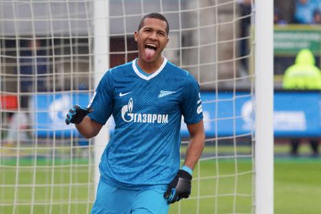 Rondón celebra uno de sus primeros goles con la camiseta del Zenit. Fuente: fc-zenit.ru