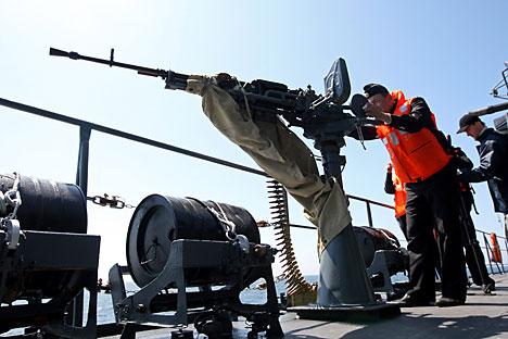 A programação dos treinamentos realizados no início do segundo semestre deste ano inclui exercícios militares com a participação de navios de múltiplos departamentos da Marinha da Rússia Foto: Ígor Zarembo/RIA Nóvosti