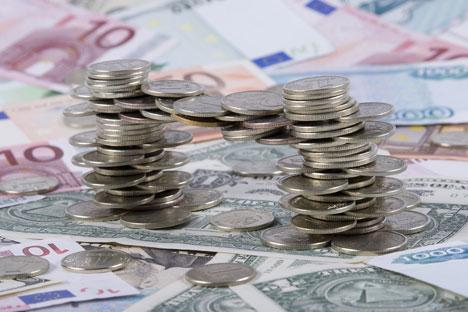 Se deberán justificar transferencias superiores a los 3.000 euros por trimestre. Fuente: PhotoXpress