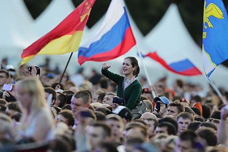 O número de russos que acreditam que as coisas no país estejam indo na direção correta caiu para 64%, contra os 66% do início de agosto Foto: ITAR-TASS