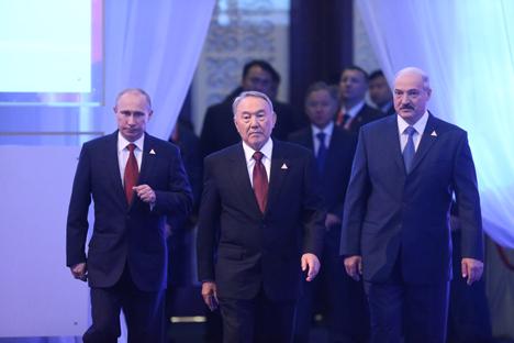 Rusia, Kazajistán y Bielorrusia firmaron la semana pasada un histórico acuerdo para crear una nueva organización. Fuente: Konstantín Zavrazhin / RG