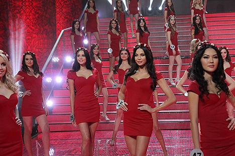 Concursantes en la final del concurso Miss Rusia 2014 en la sala de concierto Babich en Luxury Village. Fuente: Konstantín Zavrazhin/Rossískaya Gazeta.