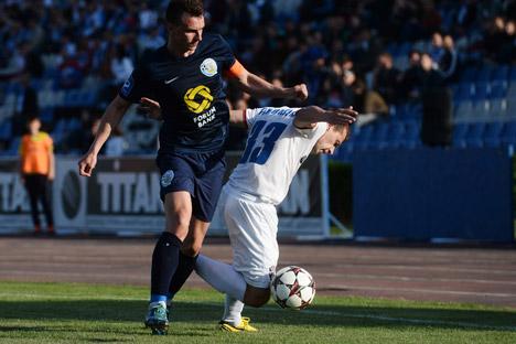 Tarviya Simferópol y FC Sevastopol jugaron en abril el último derbi de Crimea en la liga ucraniana. Fuente: Konstantín Chalábov / Ria Novosti
