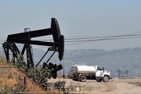 El barril de Brent se ha desplomado un 19,9% desde mediados de junio de este año y se sitúa en 92,2 dólares. Fuente: AFP / East News
