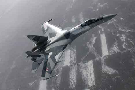 El caza Su-35 en pleno vuelo. Fuente: sukhoi.org