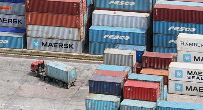 Contenedores en el puerto de Vladivostok. Fuente: Alekséi Malgavko / Ria Novosti