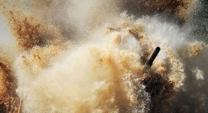 A implantação de tropas e execução de ações militares com veículos blindados em condições de temperaturas criticamente baixas não é um fato novo Foto: RIA Nóvosti