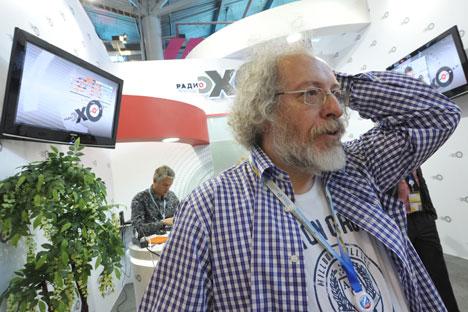 Editor-chefe Aleksêi Venidiktov da estação de rádio simpatizante da oposição Ekho Moskvi Foto: Photoshot/Vostock-Photo