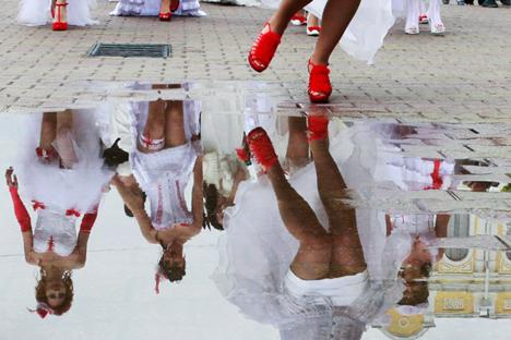 El número de matrimonios entre estudiantes se ha reducido considerablemente.Fuente: Reuters