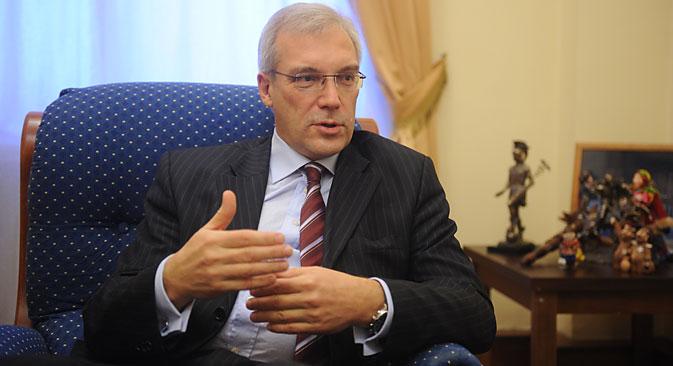 Entrevista del embajador ruso ante la Alianza, Alexander Grushkó. Fuente: Grigori Sisóev / Ria Novosti