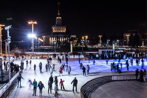 Más de 25.000 moscovitas asistieron a la inauguración en el complejo moscovita de la VDNJ. Fuente: TASS / Serguéi Sevostiánov