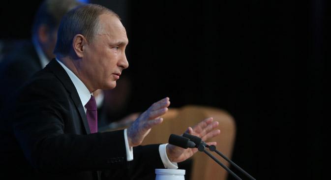 Vladímir Putin se reúne con periodistas rusos y extranjeros. Fuente: Konstantín Zavrazhin