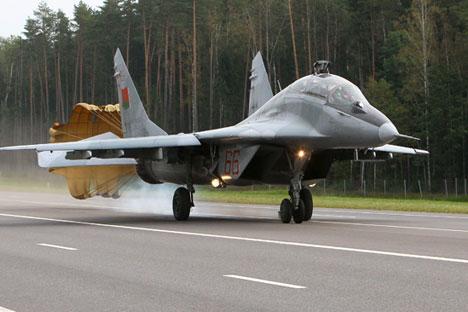 Un MiG-29 durante un aterrizaje. Fuente: Andréi Alexandrov/RIA Novosti.